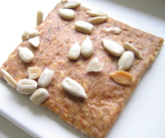 Seeded cracker