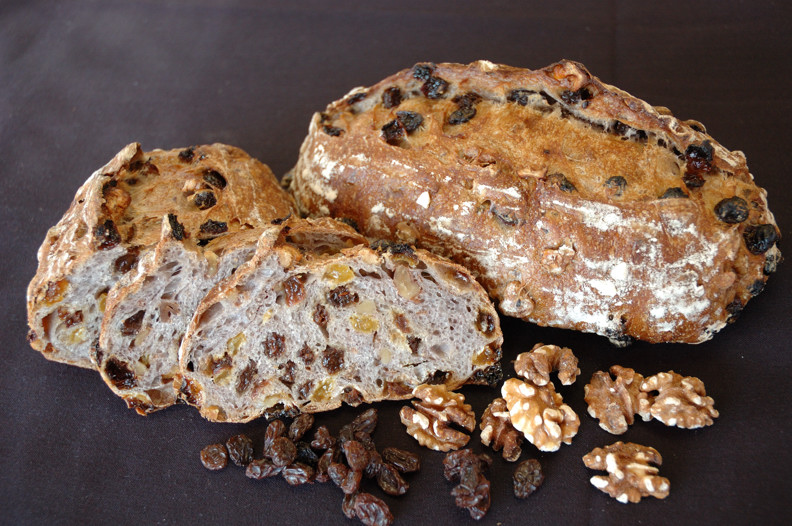 Double Raisin w/Toasted Walnuts