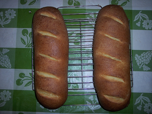 2 loaves of semolina bread