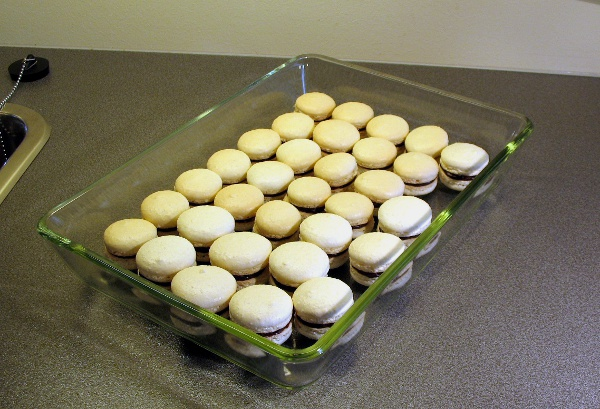 Filled macarons